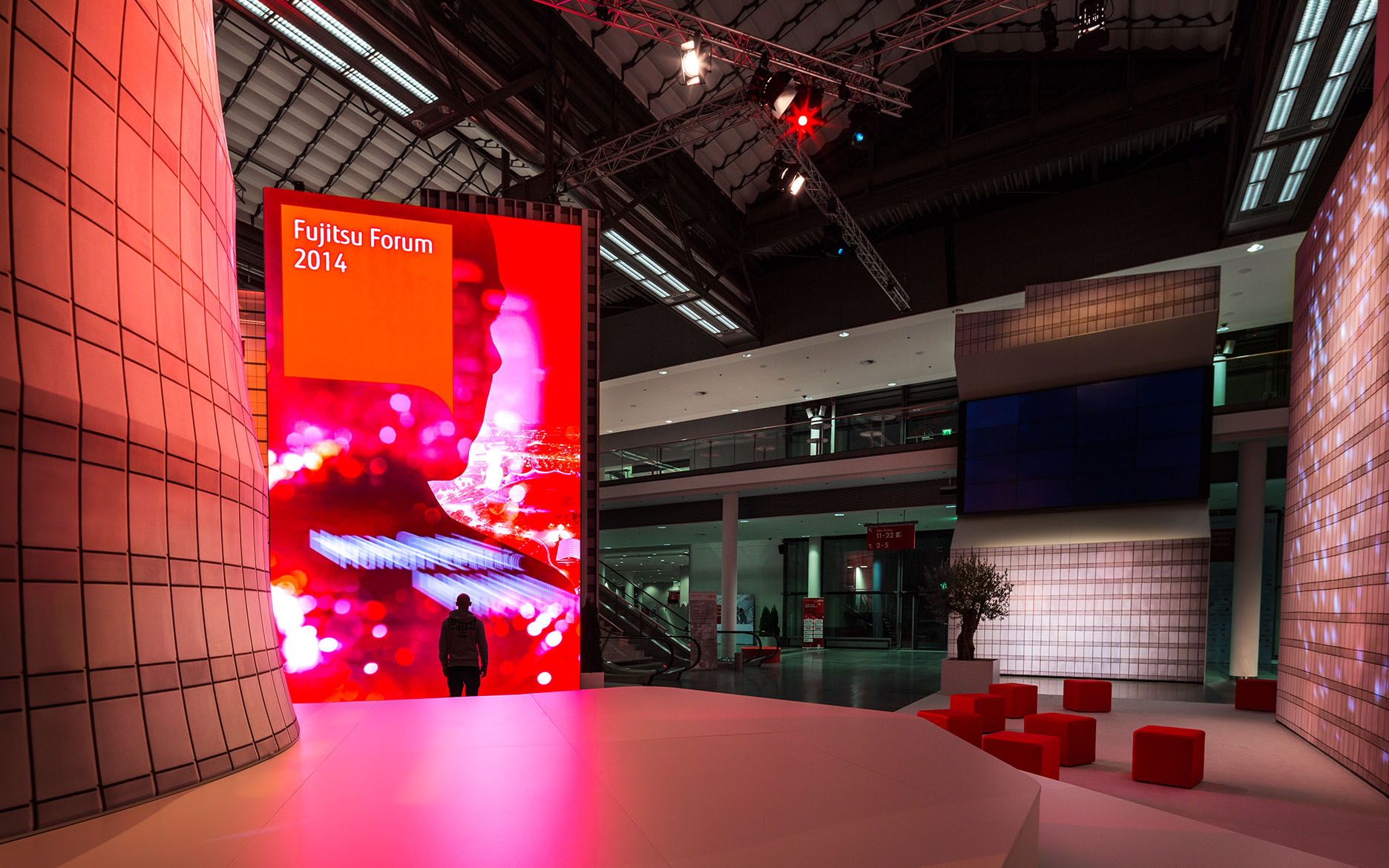 led-wand-tennagels-fujitsu-forum-2014-002